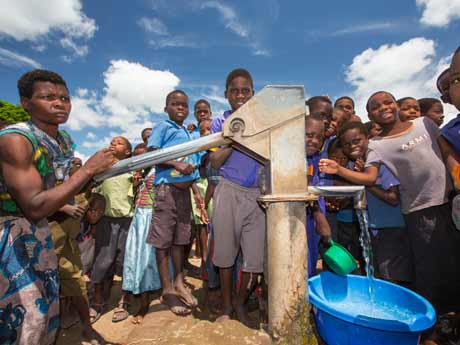 SDGs CLEAN WATER AND SANITATION - 安全な水とトイレを世界中に 画像素材2